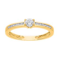 Flot, billig og moderne guldring i 14 karat med diamant