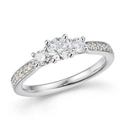 Ring i 14 karat hvidguld med ægte diamanter